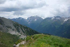 links im Hintergund großer Möseler (3.479m), in der Mitte Hochfernerspitze (3.470m) und Hochfeiler (3.510m)